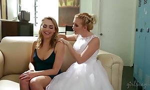 Samantha rone increased by mia malkova fur pie licking
