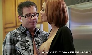 Veronica avluv gets fucked off out of one's mind her stepson