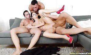 Smoking Italian pamper takes on two strong dicks