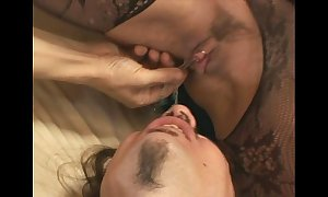 Venus facesitting together with oral pleasure