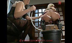 At-home waitressed disciplined on the top of anal servicing