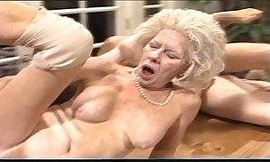 Surly mommy - xxx granny pl
